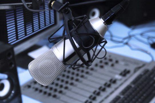 ESCUCHA RADIO XXII